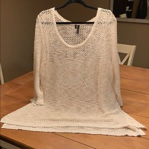 Pretty loose knit sweater with 3/4 sleeves